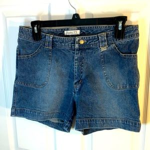 Size 6 Roots 73 Jean shorts
